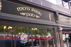 100_0960 - Noisy Neighbors Band at Mo's Irish Pub Downtown Milwaukee