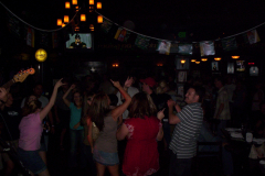510-1Noisy Neighbors Band at Mo's Irish Pub in Wauwatosa