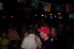 513-1Noisy Neighbors Band at Mo's Irish Pub in Wauwatosa