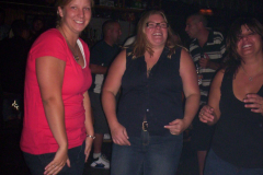 544-1 - Noisy Neighbors Band at Lindey's on Lake Beulah in East Troy