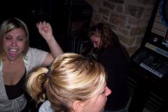 832-1 - Noisy Neighbors Band at Mo's Irish Pub in Wauwatosa