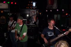 839-1 - Noisy Neighbors Band at Mo's Irish Pub in Wauwatosa