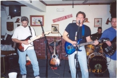 b4.fhouse Noisy Neighbors Band