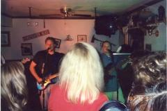 b6.fhouse Noisy Neighbors Band
